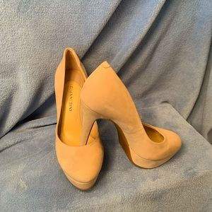 Giani Bini Creme Heels